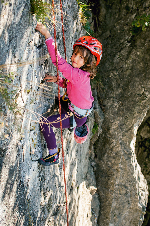 Plezanje je odlična rekreacija za otroke … Foto: Štefan Wraber